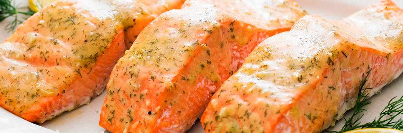 Prato para o domingo? Aprenda a fazer um delicioso salmão na cerveja!