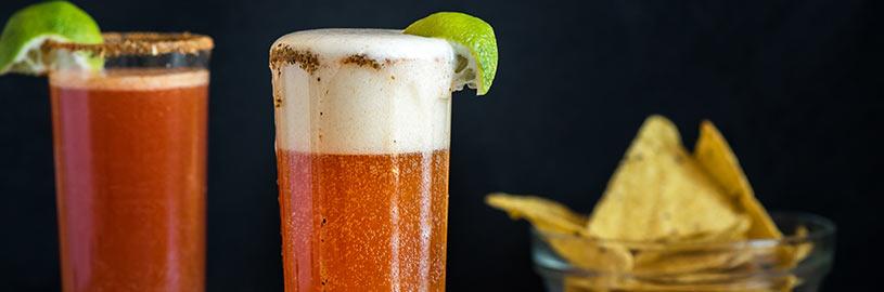 5 drinks com cerveja para fazer em casa