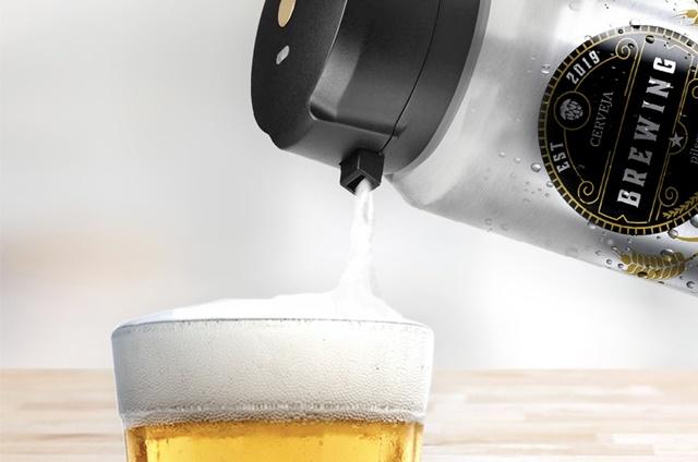 Chopeira portátil da Xiaomi servindo cerveja